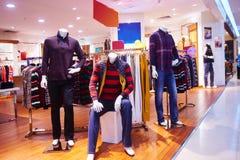 moda sklepowy wewnętrzny sklep odzieżowy Fotografia Stock