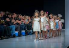 Moda tydzień w Moskwa 2017 MODA DLA dzieci SPAIN/LA MODA PARA NIÃ ` OS HISZPANIA Zdjęcia Royalty Free