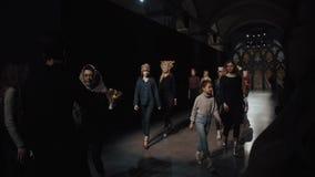 Moda tygodnia przedstawienia próba Ukraiński moda tydzień 2019 zbiory wideo