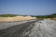 Modderig vulkanenlandschap Stock Afbeeldingen