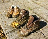 Modderige schoenen royalty-vrije stock foto