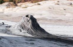Modderige vulkaan Stock Afbeeldingen