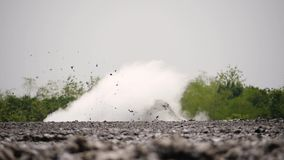 Moddervulkaan Bledug Kuwu, Indonesië stock video