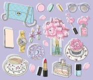 Mode-Accessoires eingestellt Hintergrund mit Tasche, Sonnenbrille Lizenzfreies Stockfoto
