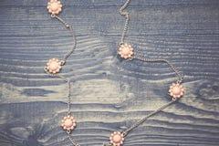 Mode blommar halsbandet Royaltyfria Bilder