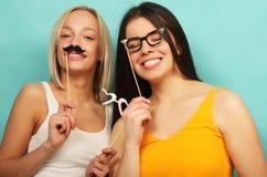 Mode de vie, beauté et concept de personnes : meilleur ami de filles de hippie Photos libres de droits