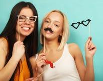 Mode de vie, beauté et concept de personnes : meilleur ami de filles de hippie Images libres de droits