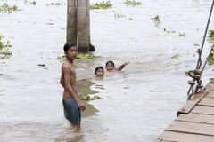 Mode de vie des enfants vietnamiens de pays Image stock