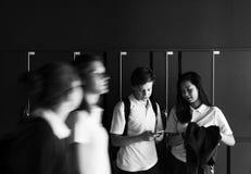 Mode de vie et amis de lycée d'étudiants Image libre de droits