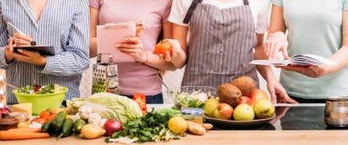 Mode de vie sain de consommation de passe-temps de nourriture de cours de cuisine image stock