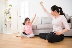 Mode de vie de vacances de famille de fille et de maman Photos stock