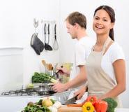 Mode de vie vivant sain heureux dans la cuisine images libres de droits