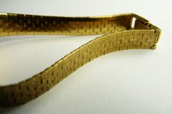 Mode för armband för fast guld lyxigt Arkivfoto