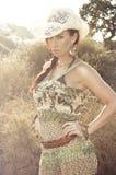 mode föreställer den sexiga kvinnan Royaltyfria Bilder