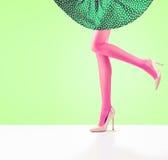 Mode Jupe femelle Longues jambes, équipement de talons hauts Images stock