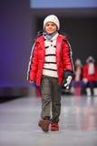Mode non identificate di usura del modello del bambino Fotografia Stock Libera da Diritti