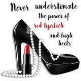 Mode- und Schönheitsillustration - schwarzer Stilettschuh mit Perlen und Lippenstift Lizenzfreies Stockbild