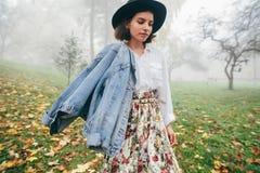 Modeartfrauen stockbilder