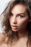 Modeartportrait der schönen empfindlichen Frau Lizenzfreie Stockfotos