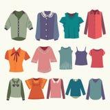 Modeboutique för designkvinnaskjortor Royaltyfri Foto