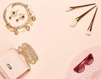 Modedam Accessories Set Fotografering för Bildbyråer