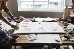 Modedesigner-Sketch Drawing Costume-Konzept Stockbild