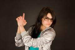 modeflickatrycksprutan hand henne som att peka Arkivbilder