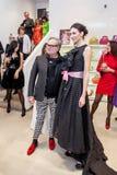 Modeformgivare Rocco Barocco på invigningsdagen av det första mono-märke lagret i Ryssland Arkivfoton