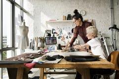 Modeformgivare Stylish Showroom Concept Fotografering för Bildbyråer
