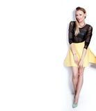 Modefoto av den blonda kvinnan royaltyfria foton