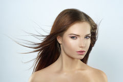 Modefoto der braunen Haarschönheit Stockbilder