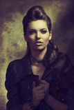 Modefrau des modernen Rocks Stockfoto