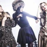Modegrupp av härliga unga kvinnor Arkivbild