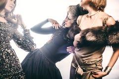 Modegrupp av härliga unga kvinnor royaltyfria foton