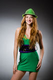 Młodej kobiety być ubranym Fotografia Royalty Free
