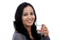 Młodej kobiety woda pitna Fotografia Royalty Free