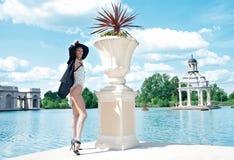 Modekvinna Royaltyfria Bilder