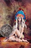 Model Aziatische injun en kalender maya Stock Afbeelding