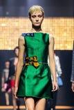 Model chodzi pas startowego podczas Lanvin przedstawienia Fotografia Stock
