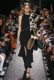 Model chodzi pas startowego przy Sonia Rykiel przedstawieniem Zdjęcie Stock