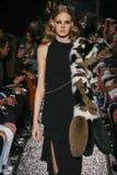 Model chodzi pas startowego przy Sonia Rykiel przedstawieniem Fotografia Royalty Free