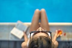 Model dichtbijgelegen zwembad in openlucht Royalty-vrije Stock Afbeeldingen
