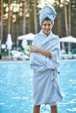 Model dichtbijgelegen zwembad in openlucht Royalty-vrije Stock Afbeelding