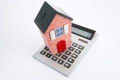 Model huis en calculator Royalty-vrije Stock Fotografie