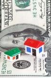 Model huizen, dollarbankbiljet Stock Foto