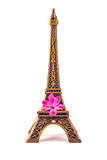 Model mała wieża eifla z różowym kwiatem Fotografia Stock