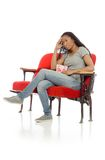 Model met hoofdpijn wordt geïsoleerd die stock fotografie