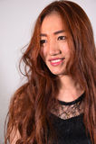 model met lang krullend haar Royalty-vrije Stock Afbeeldingen