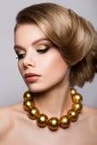 model mody portret fryzury ostrzyżenia fotografia royalty free