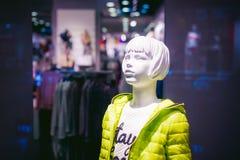 Model op een winkelvenster Stock Afbeeldingen